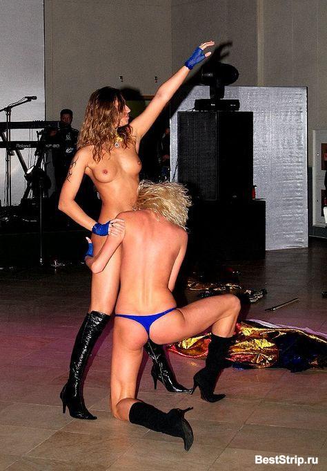 krasiviy-striptiz-v-klube